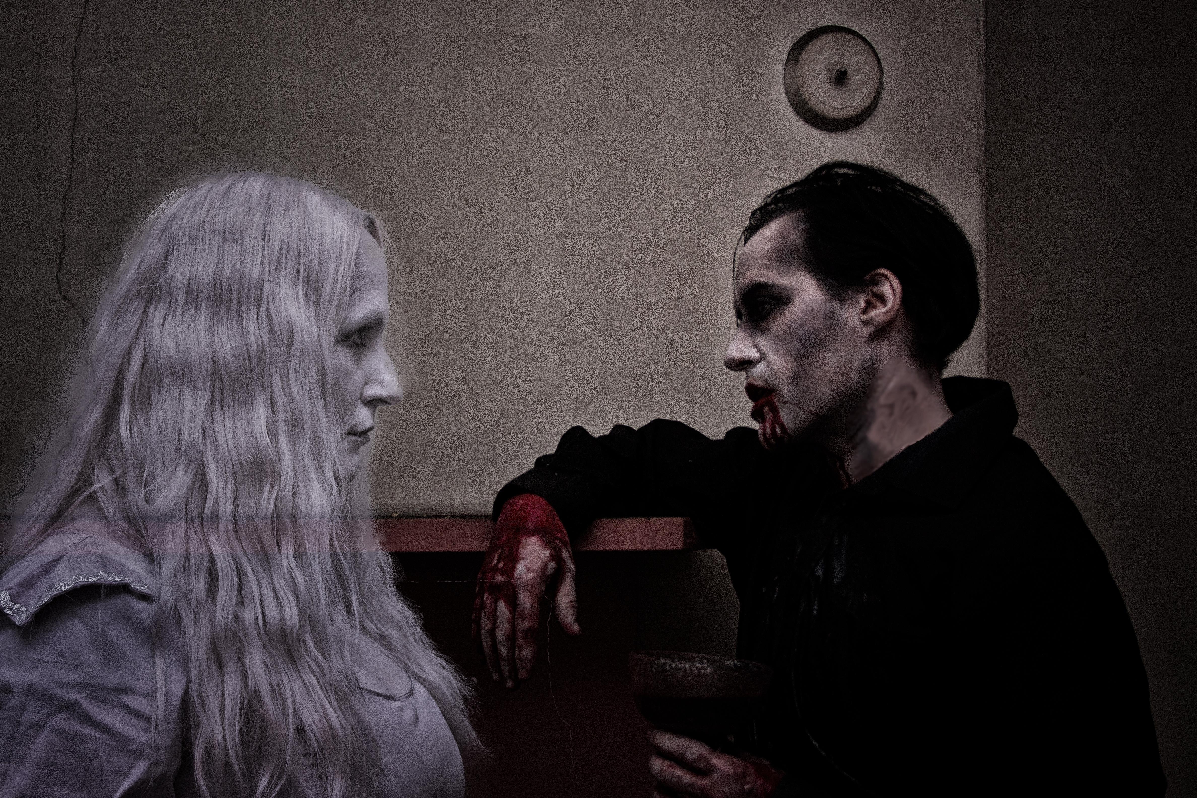 ghost sister vampire